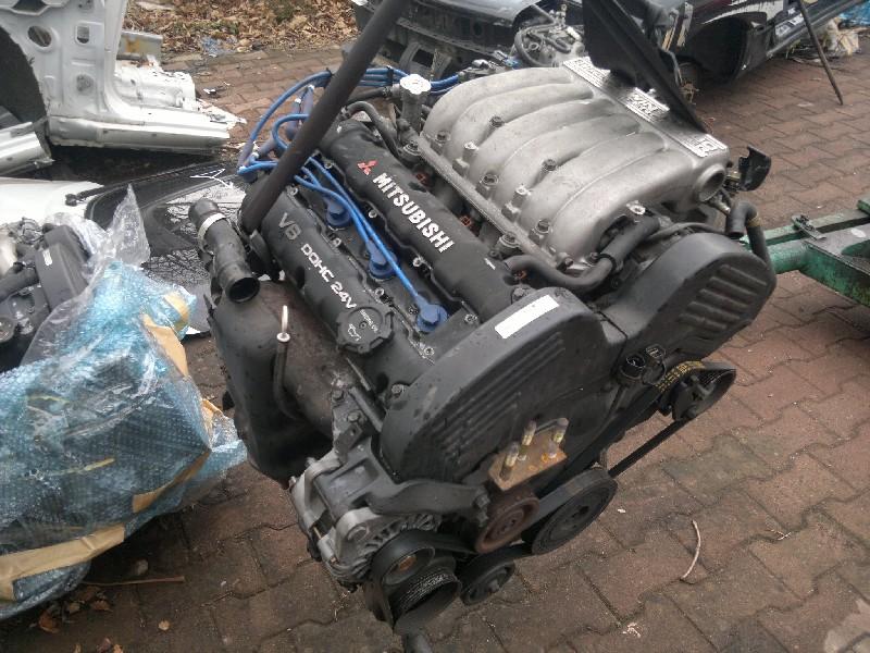 Двигатель 6g64