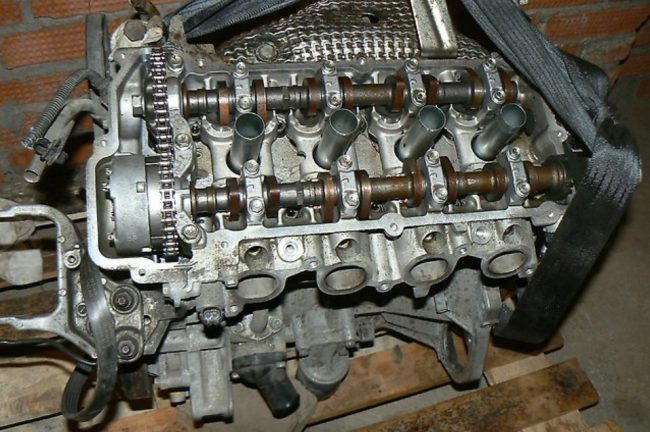 Двигатель Mitsubishi 4a92