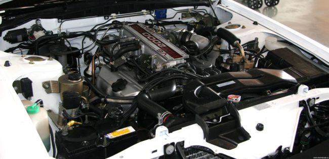Двигатель Nissan vg20det