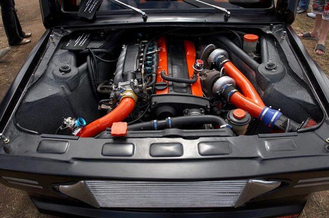 Двигатель Скайлайн в Пятерке
