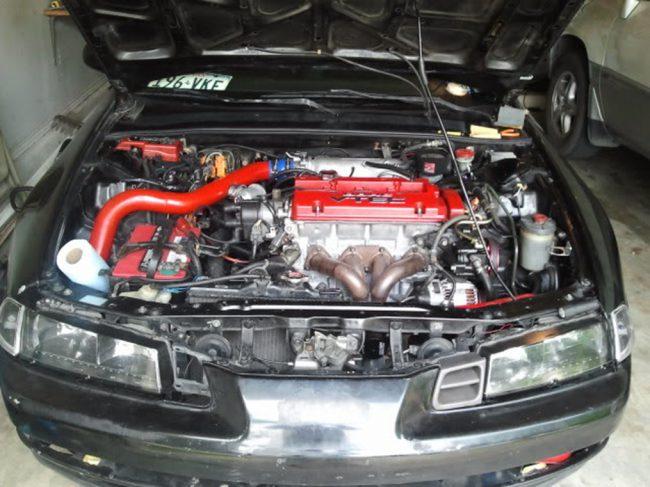 Турбированный «красноголовый» H22A в подкапотном пространстве Honda Prelude