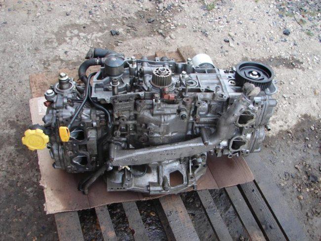 Двигатель Subaru ej251
