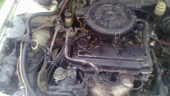 ДВС CA16S под капотом Nissan Stanza.