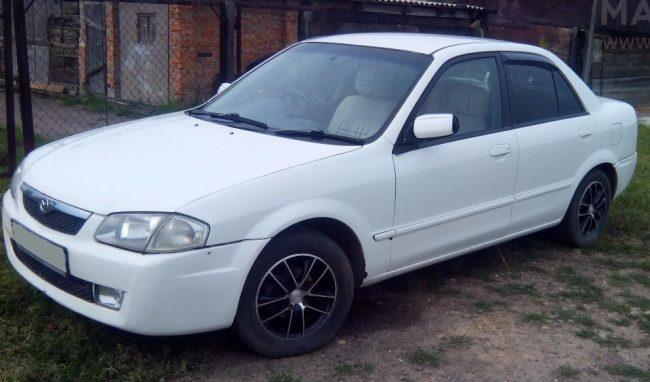 Mazda Familia 1999