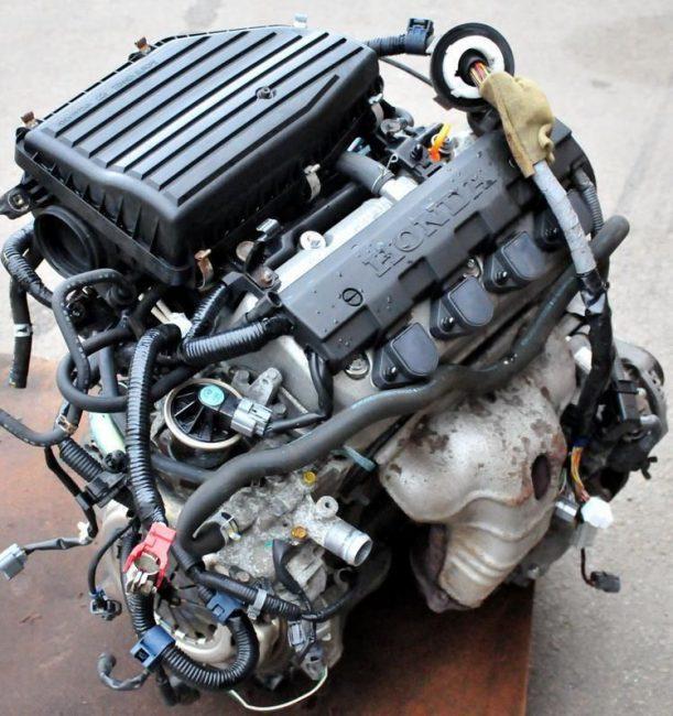 Двигатель Honda d14z