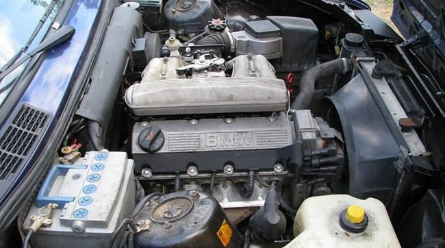 Двигатель M40B18