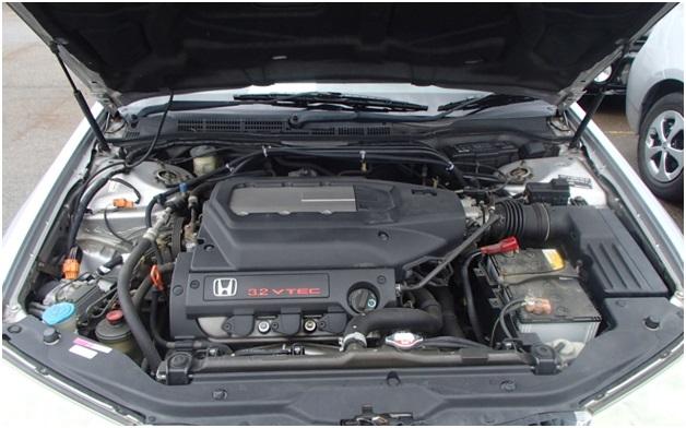 J32A1 в подкапотном пространстве Honda Saber (Inspire) UA5