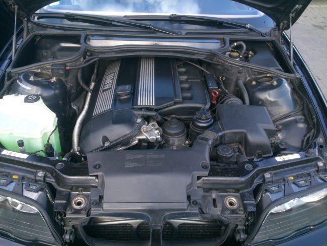 Двигатель M52TUB20
