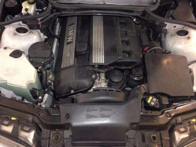 Двигатель M54