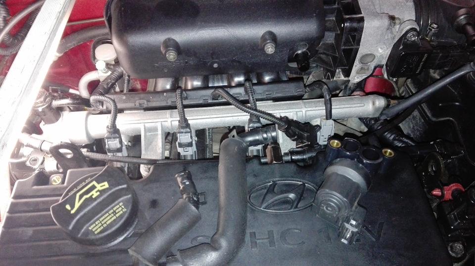 Верхняя часть двигателя