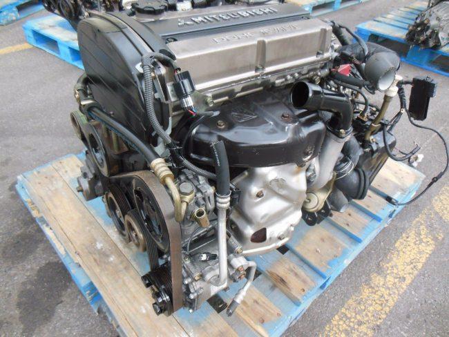 Двигатель Mitsubishi 4G63 на одной из авторазборок