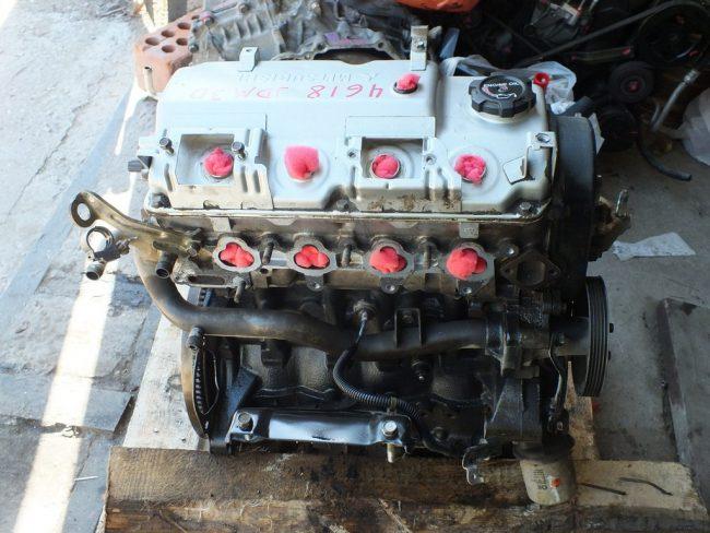 Двигатель 4G18 на одной из авторазборок