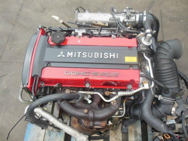 Двигатель Mitsubishi 4G63 снятый с Lancer Evolution