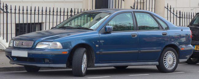Первое поколение Volvo S40