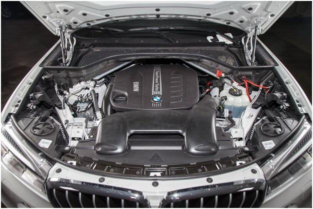 N57D30TOP в подкапотном пространстве BMW X6 suv 2 поколения, F16