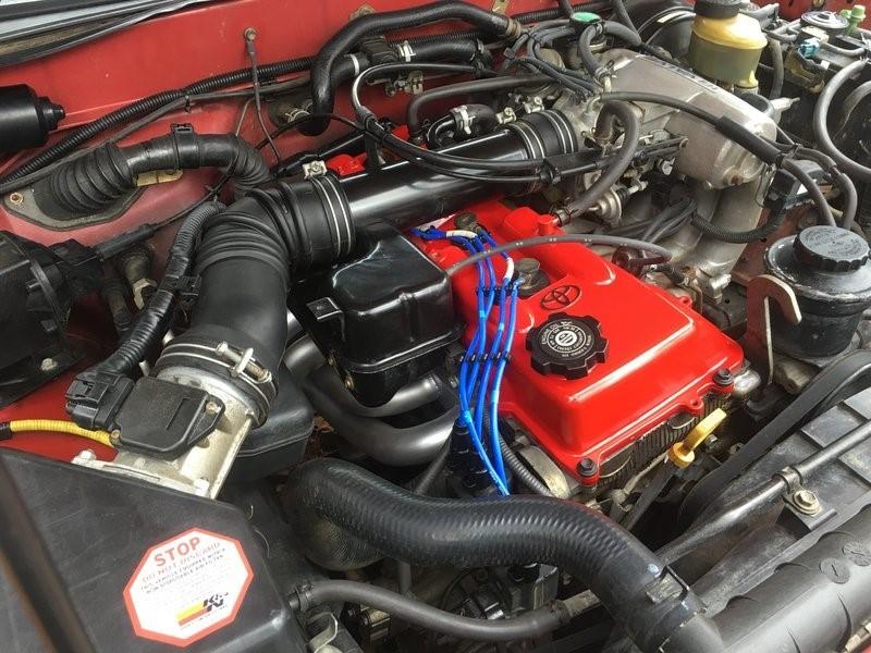 2.7-литровый агрегат 3RZ-FE под капотом Toyota Tacoma 1999 г. в.