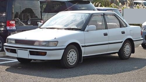 Автомобиль Toyota Sprinter