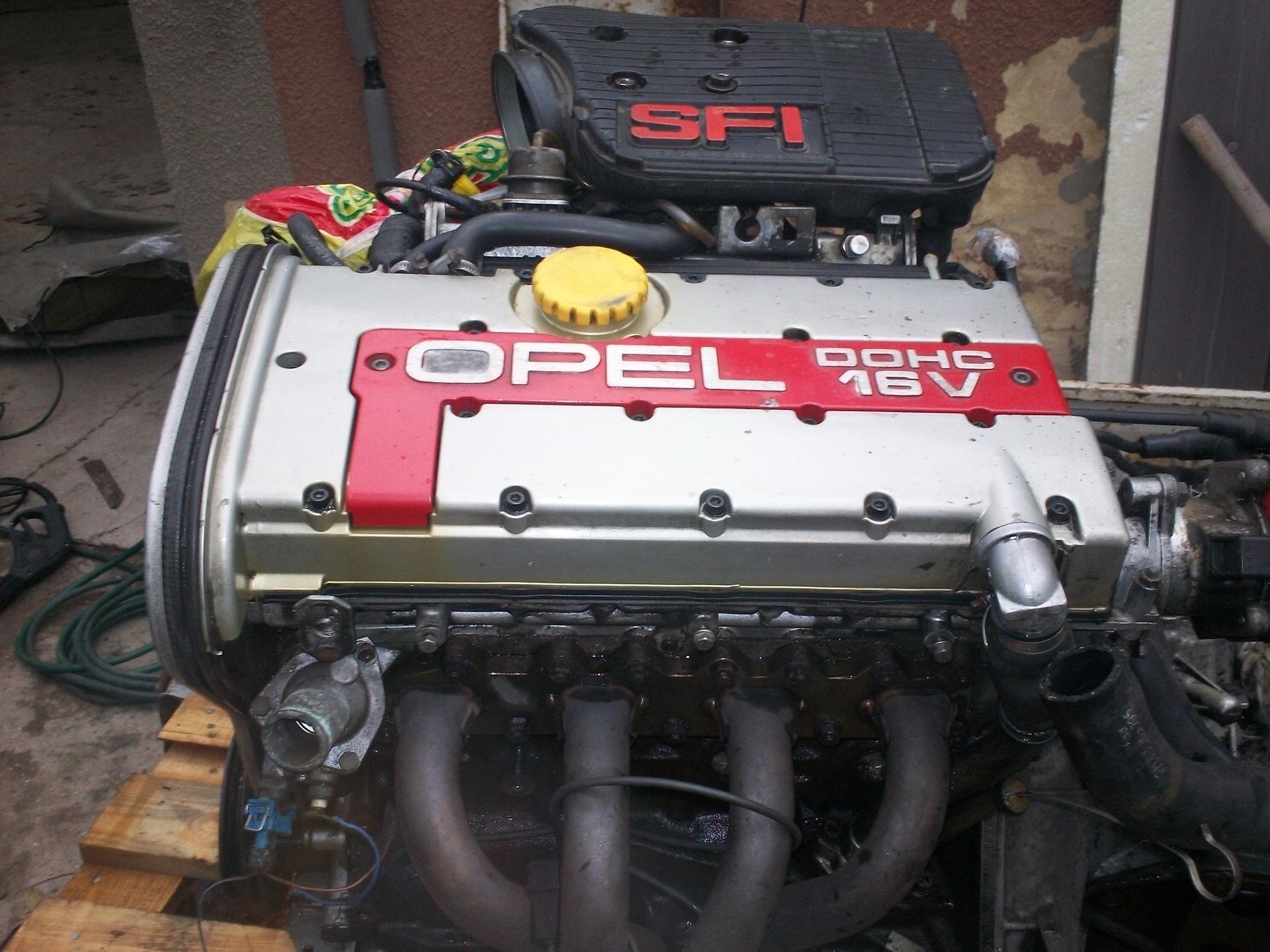 C20XE на Opel Kadett 1985 года