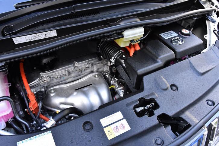 Гибридная система на Toyota Vellfire построена на базе 2.5-литрового агрегата 2AR-FXE