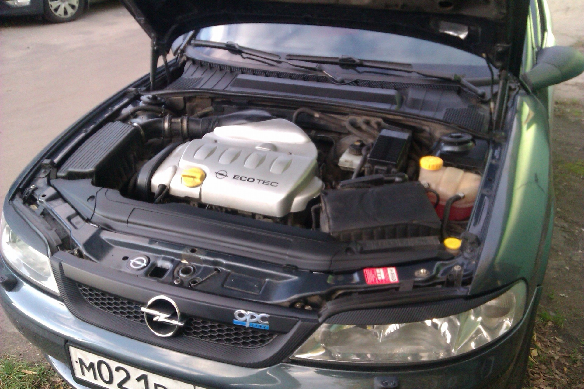 Opel Vectra A под капотом