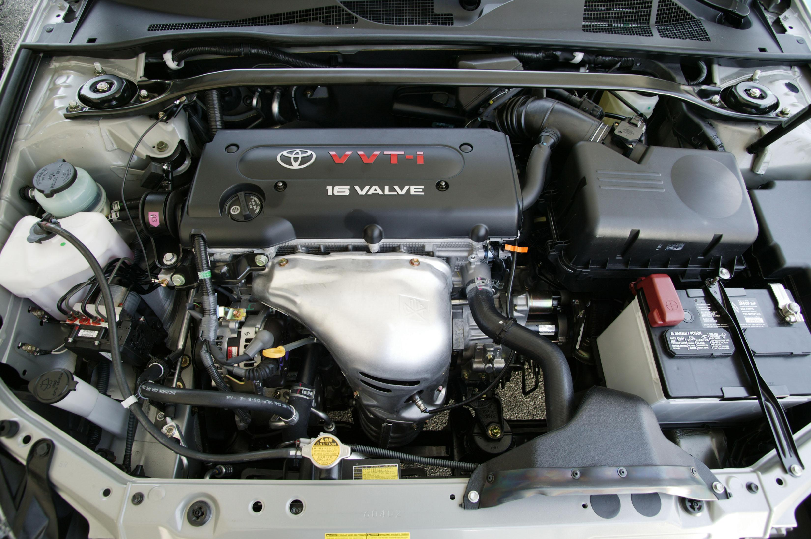 Подкапотное пространство Toyota Solara