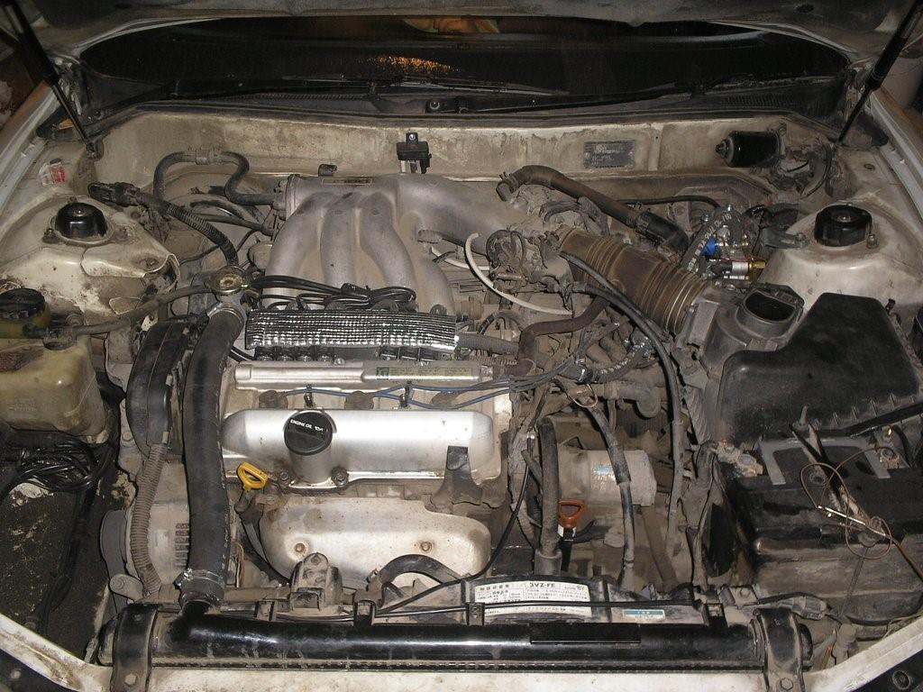Подкапотное пространство Toyota Windom