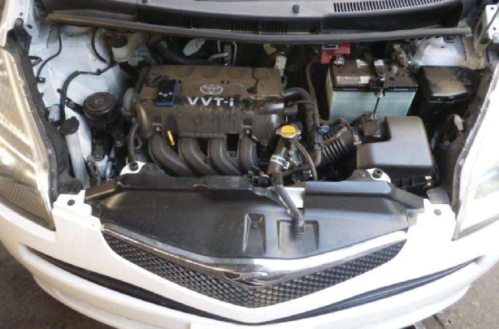 Подушка двигателя Toyota Ractis