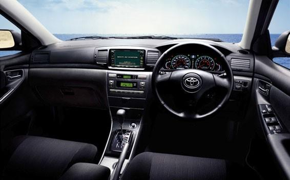 Салон Toyota Corolla Fielder Z Aero Tourer