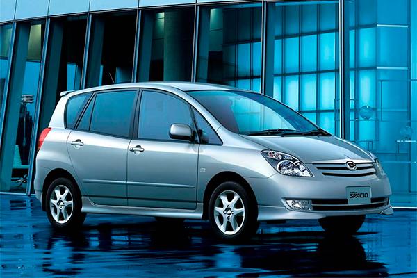 Семейный городской автомобиль а-ля минивэн – Toyota Corolla Spacio