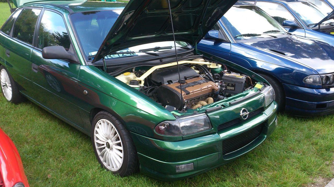 Серийный автомобиль Opel Astra F