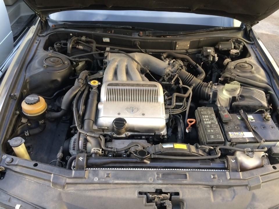 Силовой агрегат V6 4VZ-FE в подкапотном пространстве Toyota Camry Prominent V30