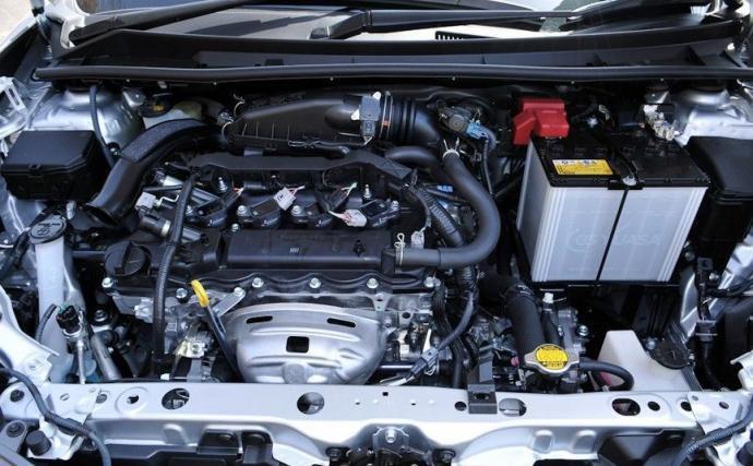 Toyota Corolla Axio под капотом