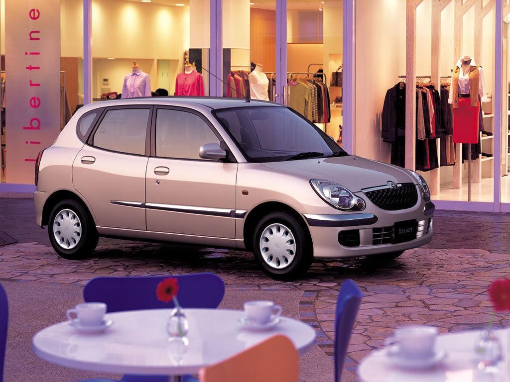 Toyota Duet 2001 г. в. после второго рестайлинга