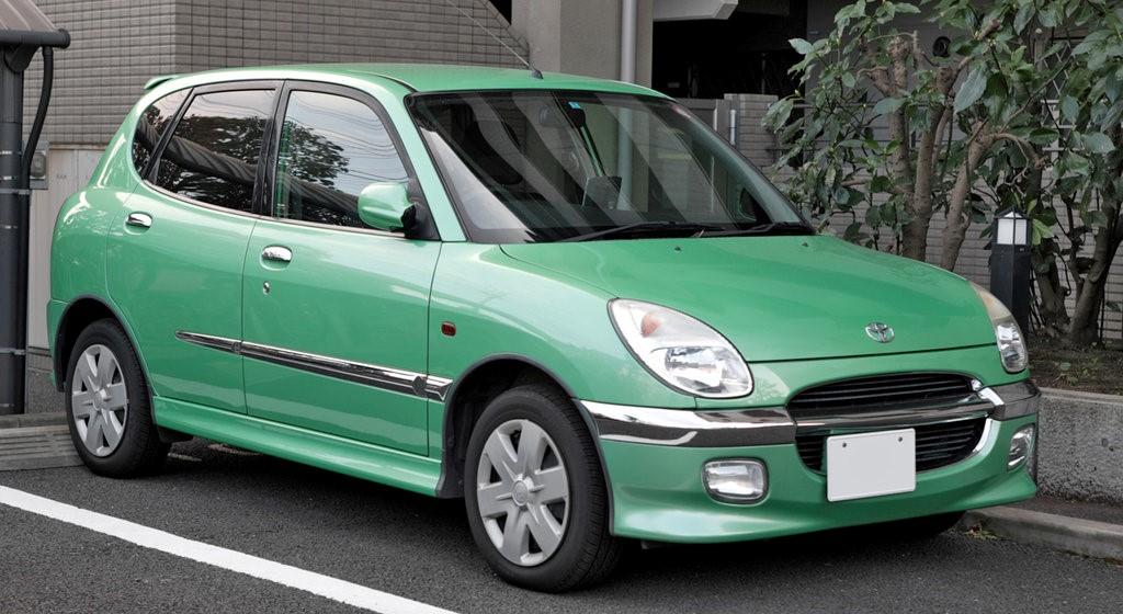 Toyota Duet (рестайлинг) 2000 г. в.