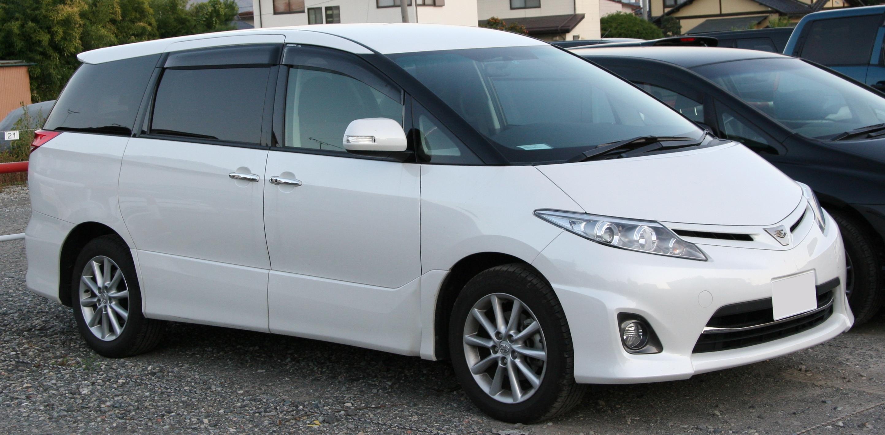 Toyota Estima 2008 года