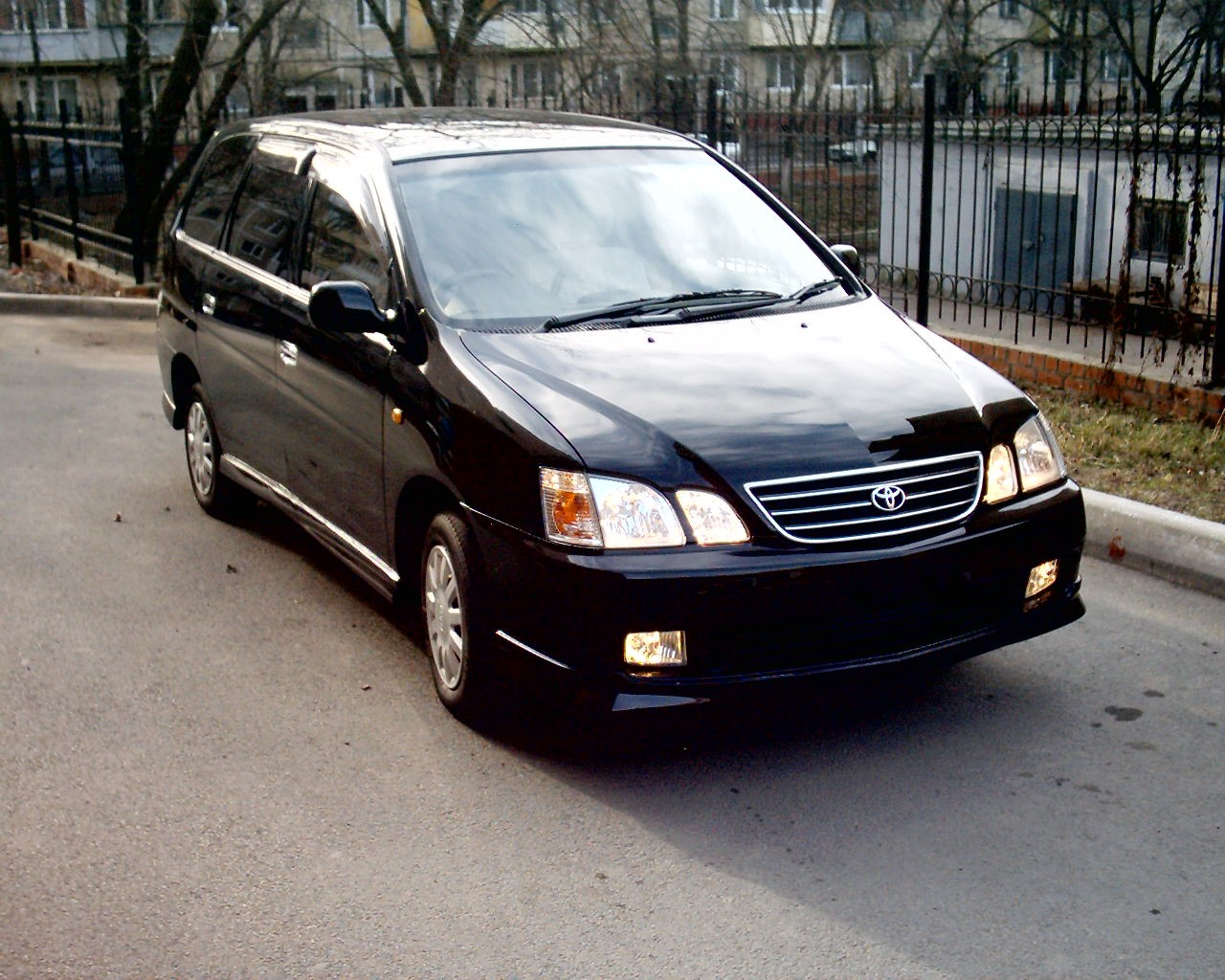 Toyota GAIA 2001 г. в.