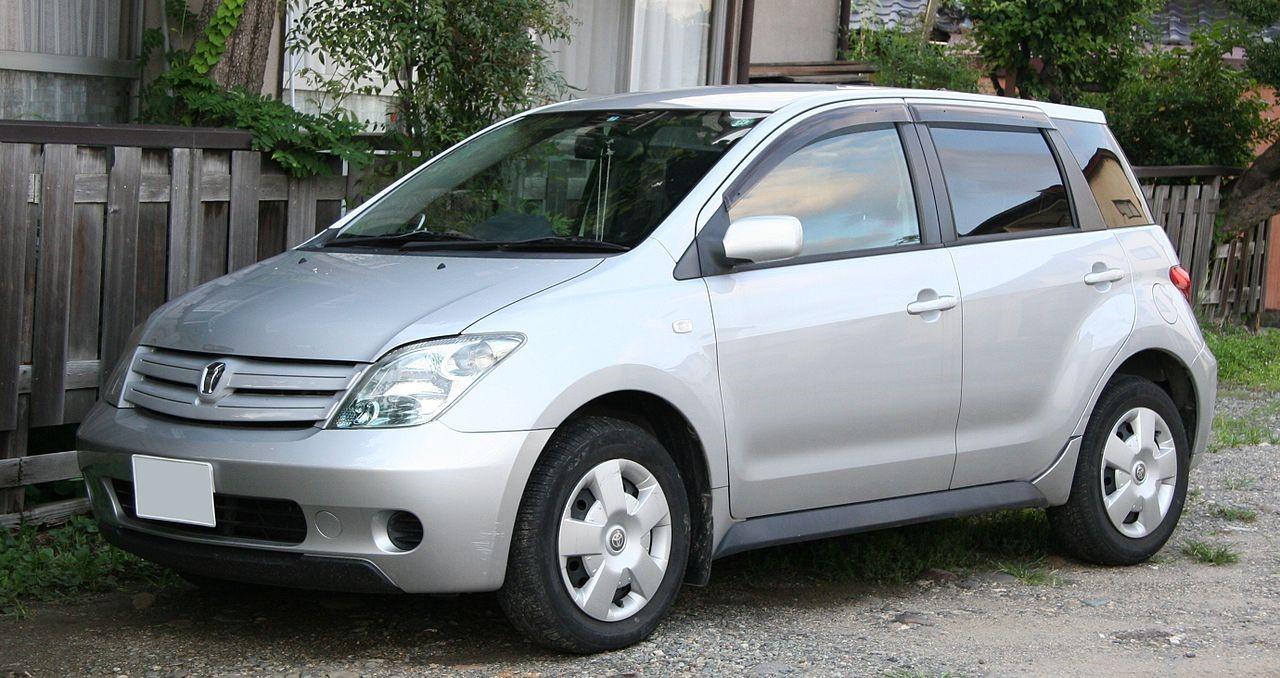 Toyota ist первого поколения