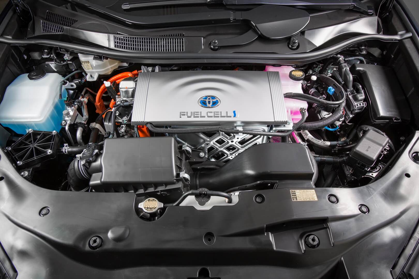 Toyota Mirai под капотом