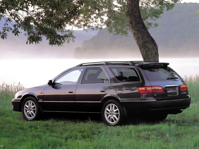 Универсал Toyota Camry Gracia Wagon