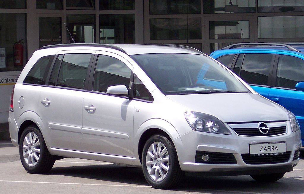 Внешний вид минивэна Opel Zafira