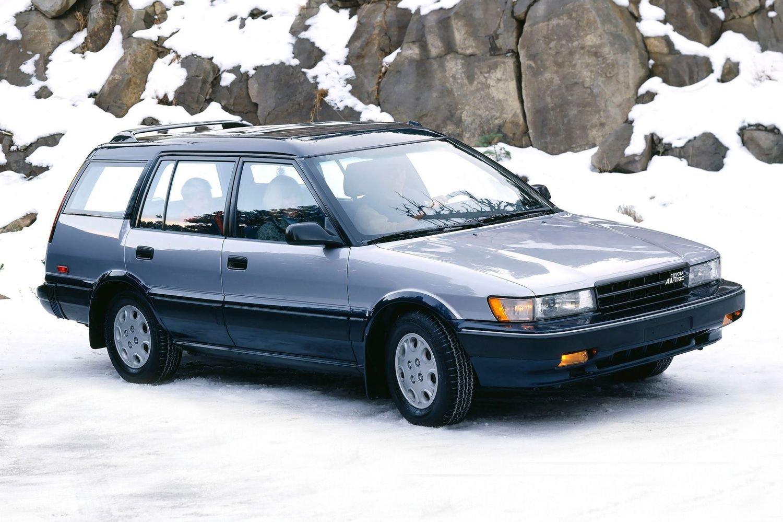 Второе поколение Toyota Sprinter Carib рестайлинг