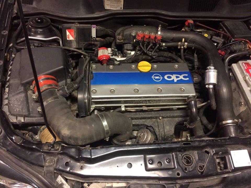 Z20LET turbo в подкапотном пространстве Astra Coupe