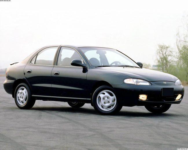 Hyundai Elantra 2 поколения
