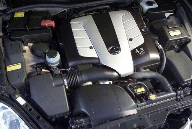 3UZ-FE в подкапотном пространстве Lexus SC430