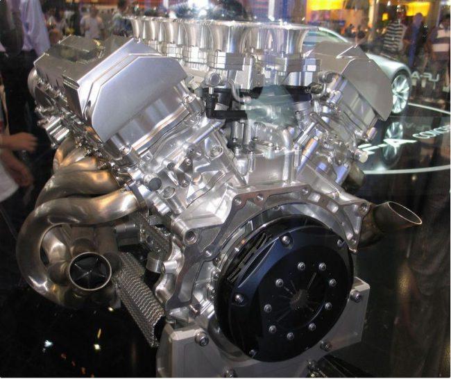 Демонтированный двигатель 1LR-GUE