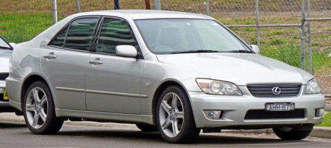 Lexus IS первого поколения