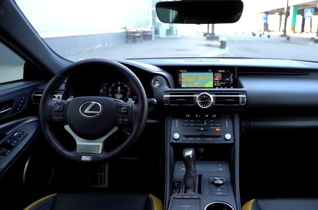 Салон Lexus RC