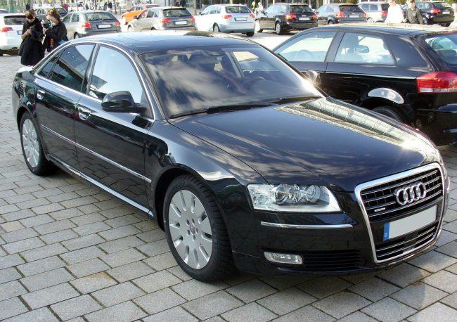 Второе поколение Audi A8