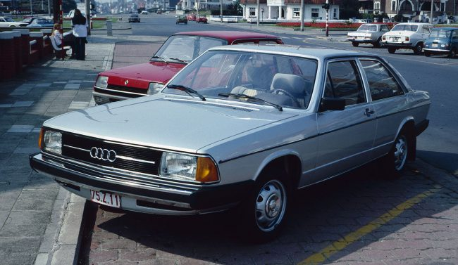 Audi 100 второго поколения