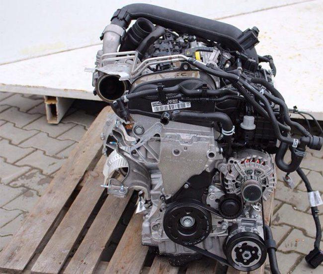 Мотор CZCA